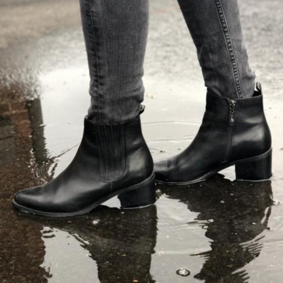 Blondo Womens Elvina Waterproof Ankle Bootie